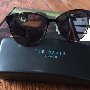 Ted Baker TBW031 black with gold trim sunglasses